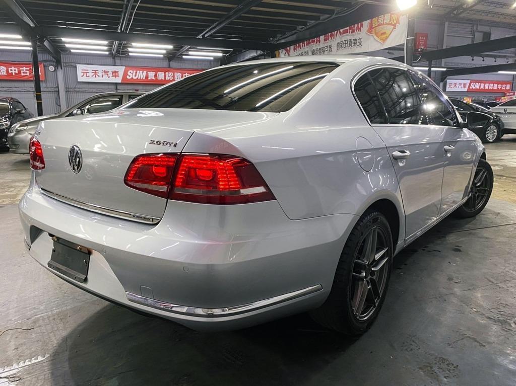 正2011年出廠 大改新款總代理 Volkswagen/福斯 Passat 2.0TDI BlueMotion 柴油頂級旗艦款