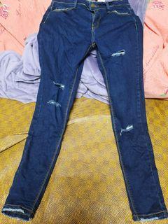 深藍色顯瘦牛仔褲