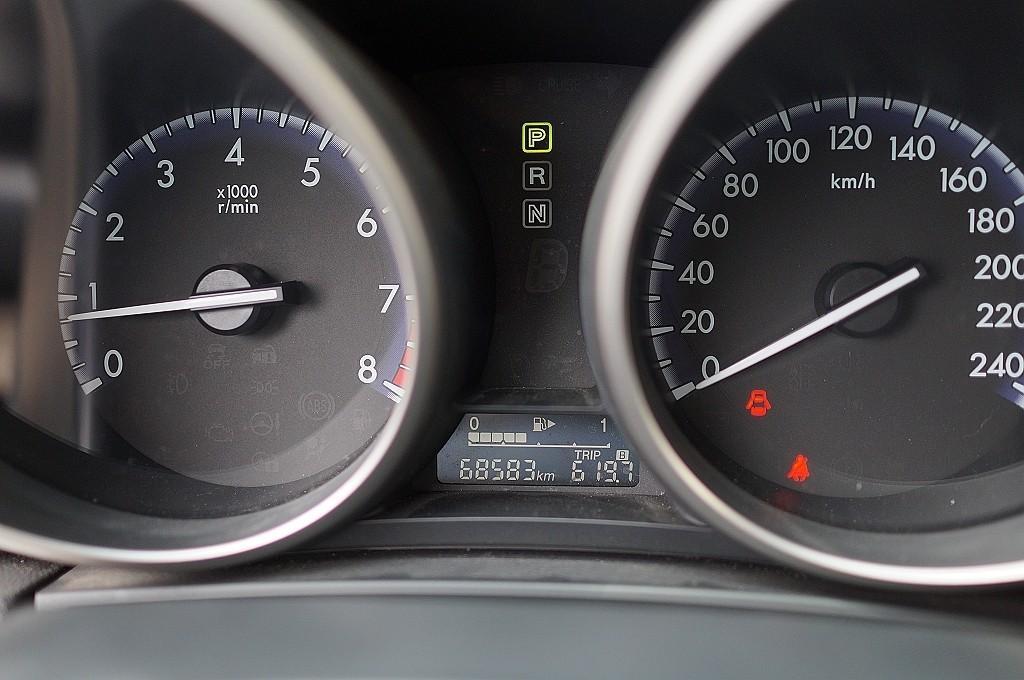 舜天車坊 MAZDA 3  頂級五門款 13年款 僅跑6萬多KM 多功能影音+免鑰匙+電動天窗