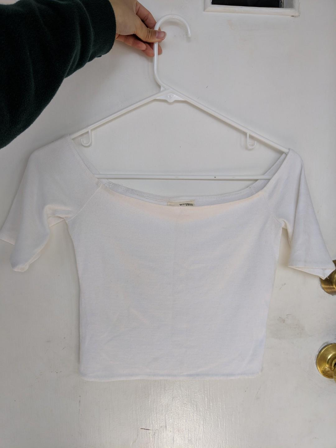 Aritzia wilfred free off the shoulder crop, size S