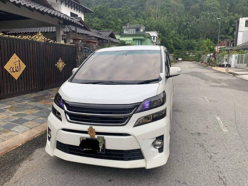 SAMBUNG BAYAR  TOYOTA VELLFIRE 2.4 GOLDEN EYE 2012/15 BULANAN RM2570 BAKI 4 TAHUN 9 BULAN DEPOSIT RM?  PM