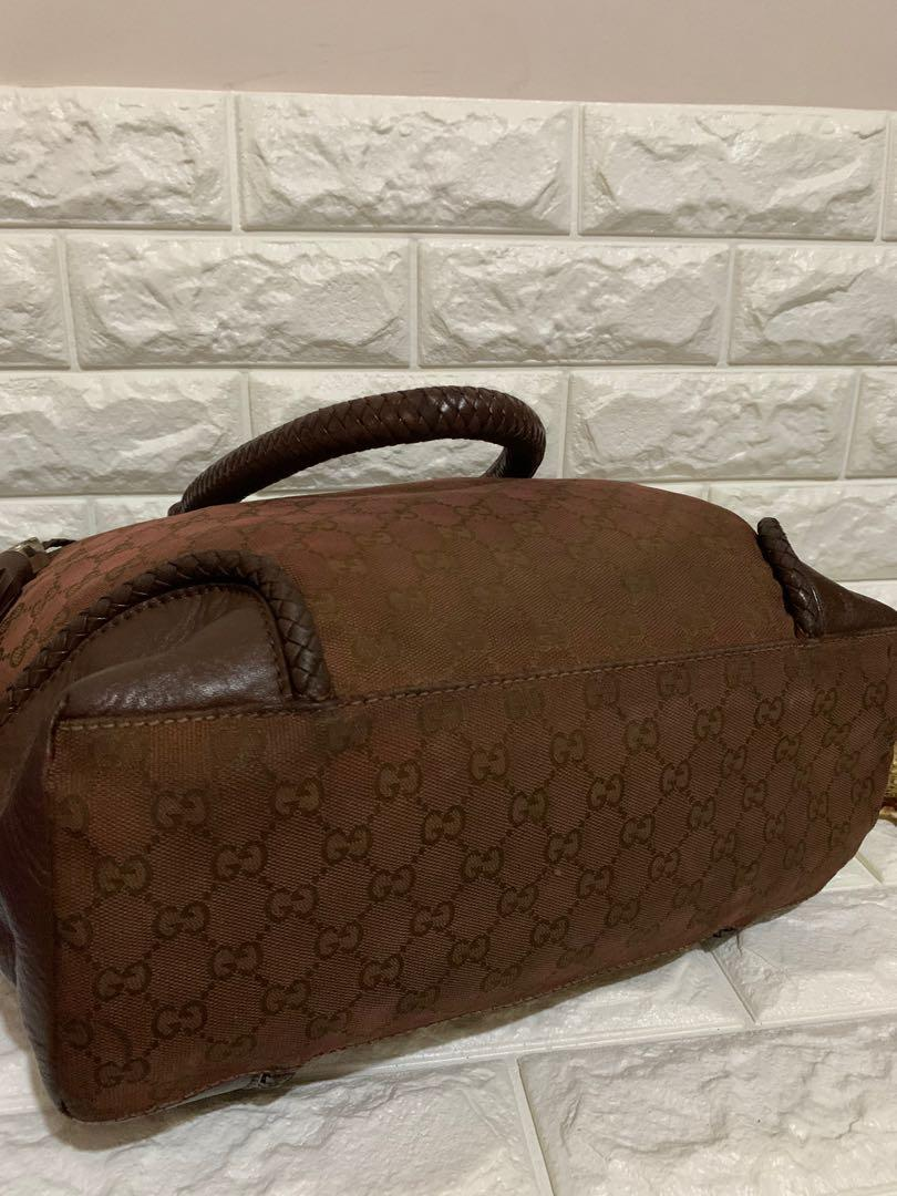 Tas shoulder gucci authentic, vintage, kanvas mix leather, kondisi 85% OK, minus sedikit noda lihat pic terakhir