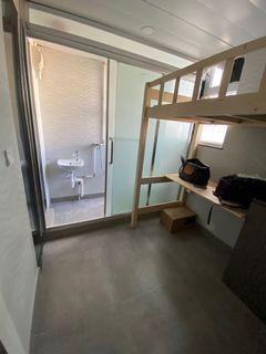 全新裝修全包家俬冷氣工作室,高層光猛有窗、有lift,有Wi-Fi、獨立套廁、隨時入住