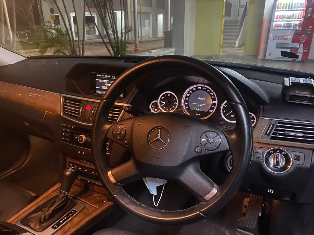 Mercedes-Benz E200 CGI BlueEfficiency Elegance (A)