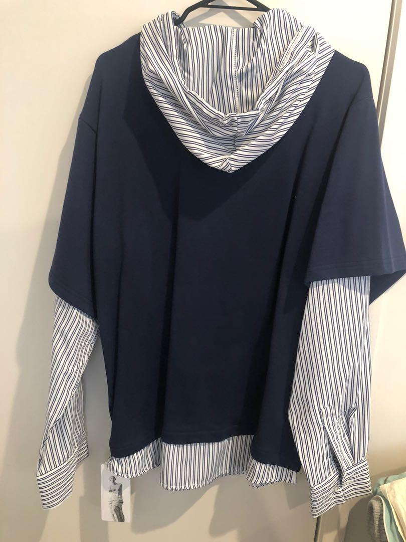 T shirt hoodie