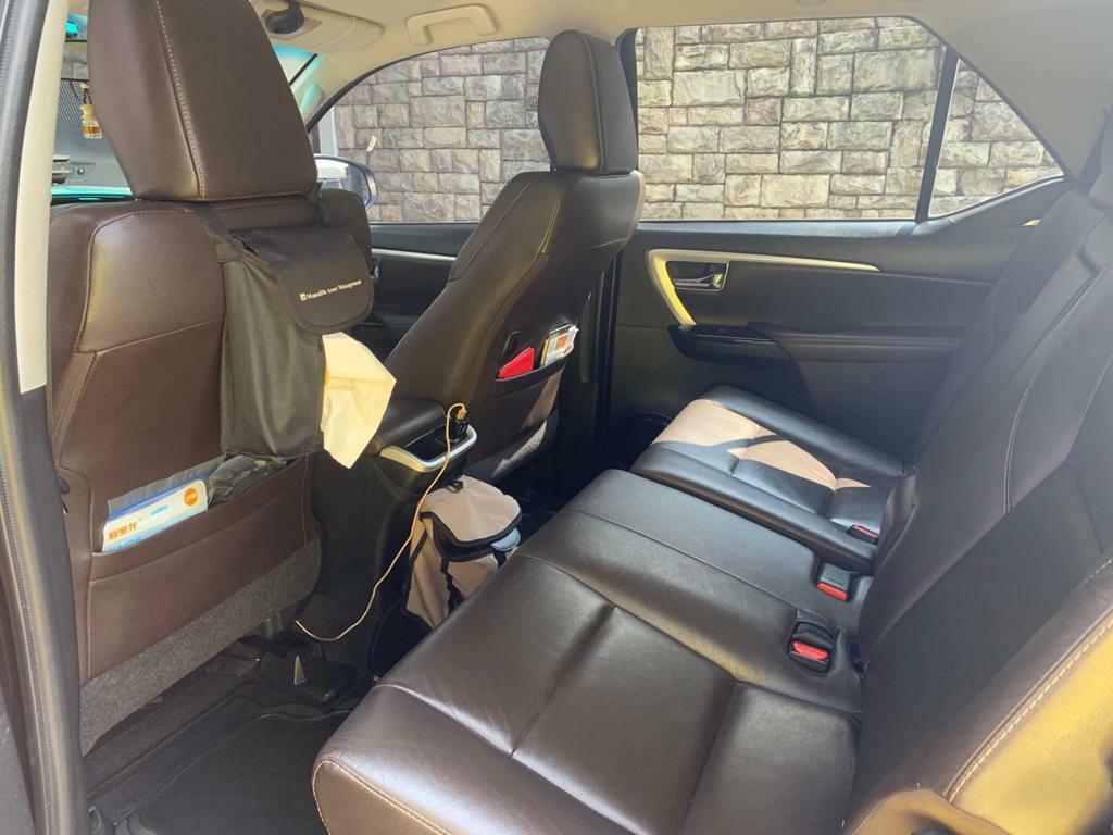 Toyota VRZ 2.4 AT 2016 Hitam Metalik 360jt Harga Corona