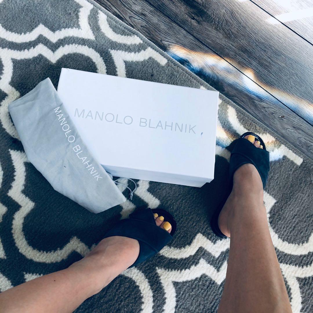 $1150 NEW Manolo Blahnik Otawi Mules size 35.5 / 5.5