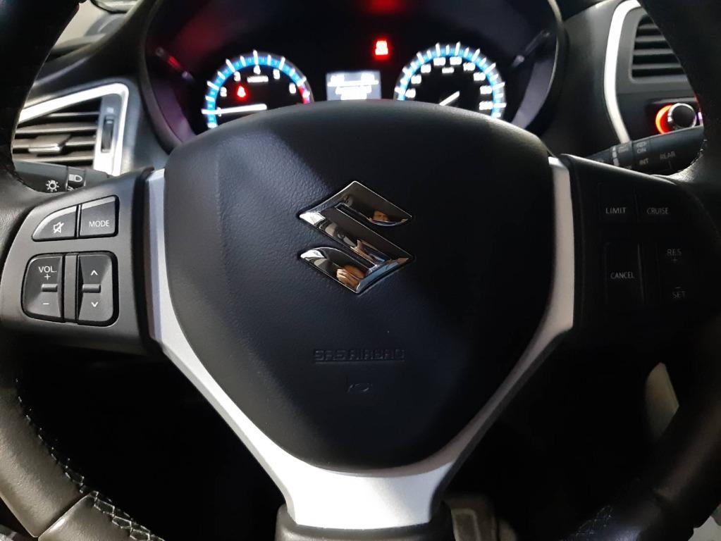 跨界休旅車 2015年 SUZUKI SX4 GL PLUS 配備最多 一手車 全車原钣件 IKEY 換檔快撥 駕馭上跟舒適上更不用說