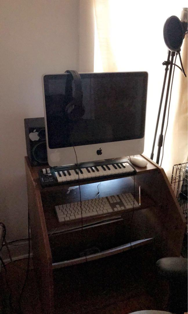 iMac bundle including Mac pc , speakers , focusrite sound box microphone and stand keyboard midi and pop filter