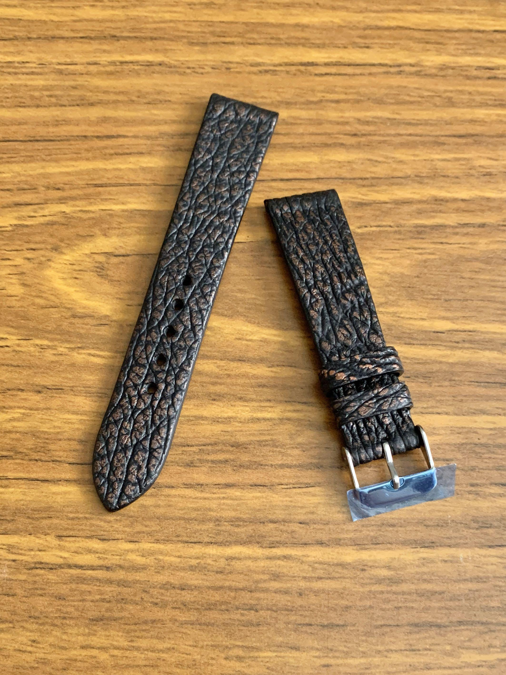 [DISCOUNTED] 20mm/18mm Authentic Black with Burgundy Brown Shark 🦈 Leather Watch Strap (one piece already sold- this second and last piece 🙏🏻😊) Standard Length- L:120mm, S:75mm - Our best-seller!😊 CB Sale ! 👍🏻- Bundle discount further apply