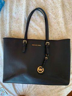 MICHAEL KORS- NAVY SAFFIANO LEATHER TOTE