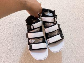 new balance涼鞋