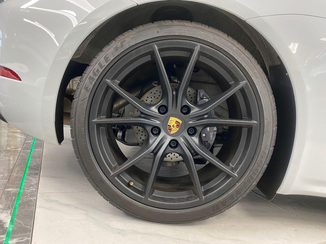 Porsche 718 Cayman  Auto