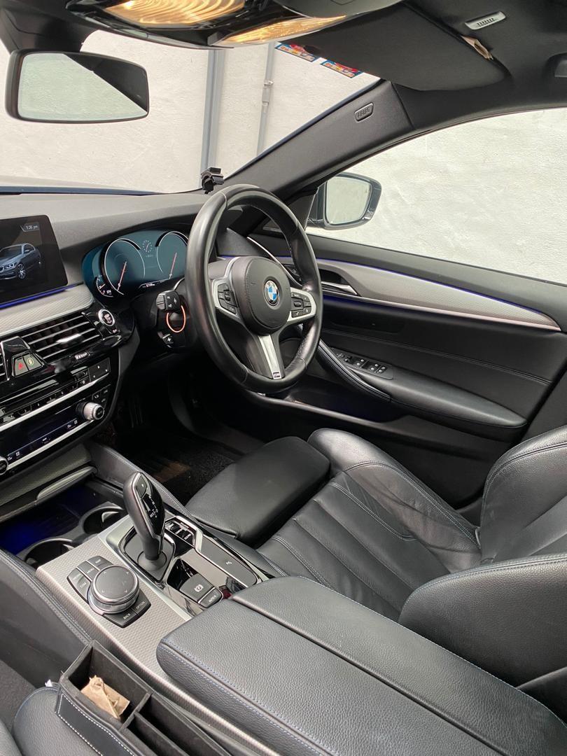 SAMBUNG BAYAR  BMW G30 530i MSPORT FACELIFT 2017 BULANAN RM4050 BAKI 4 TAHUN 6 TAHUN DEPOSIT RM?  PM