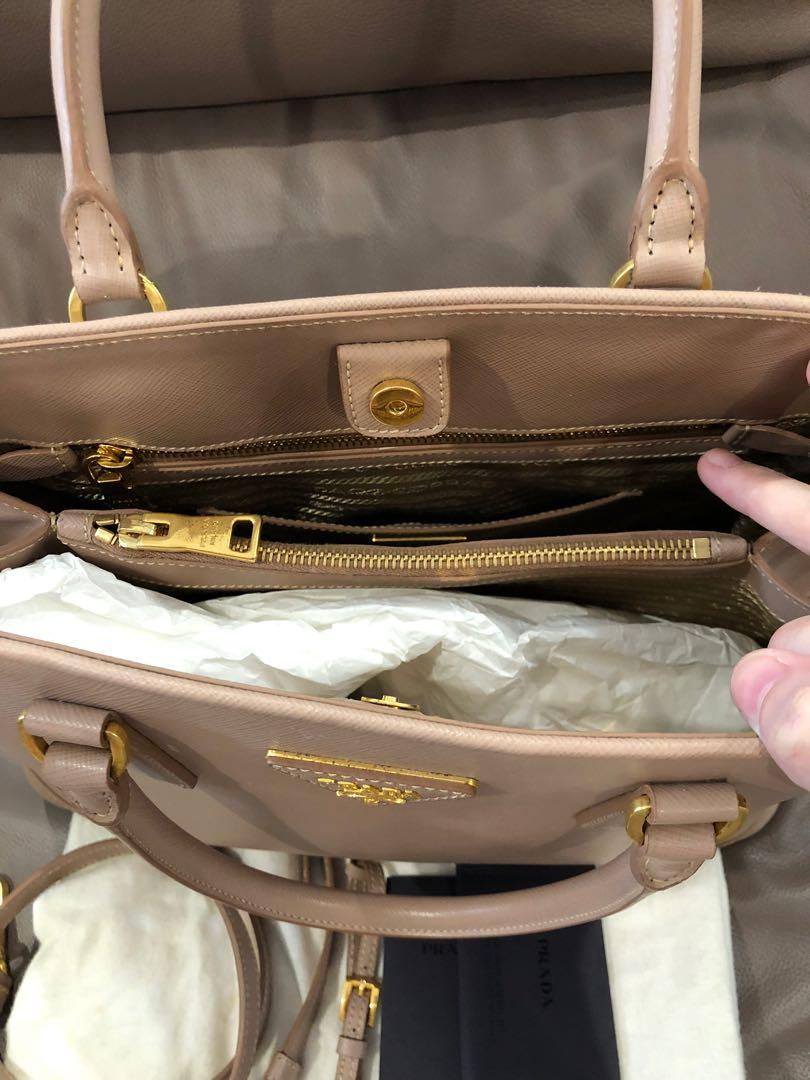 💖Almost new condition💖Prada BN2558 Saffiano Lux. A super gorgeous elegant bag for office work etc... Colour : Cammeo. Comes with detachable shoulder strap, dustbag & authenticity card. ❗️No obligation to view bag❗️😁