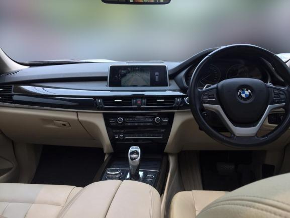 BMW X5 xDrive35i CKD AT 2015 Hitam, Dp 288,9 Jt, No Pol Genap