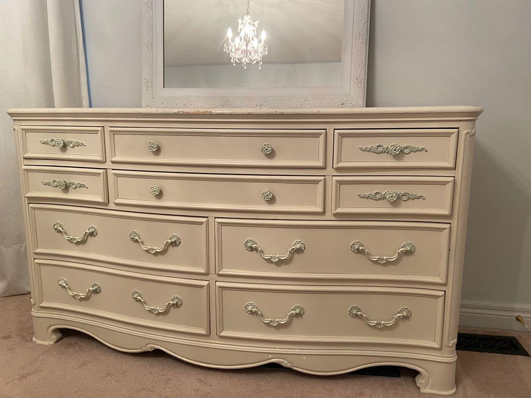 Dresser with 10 Drawers