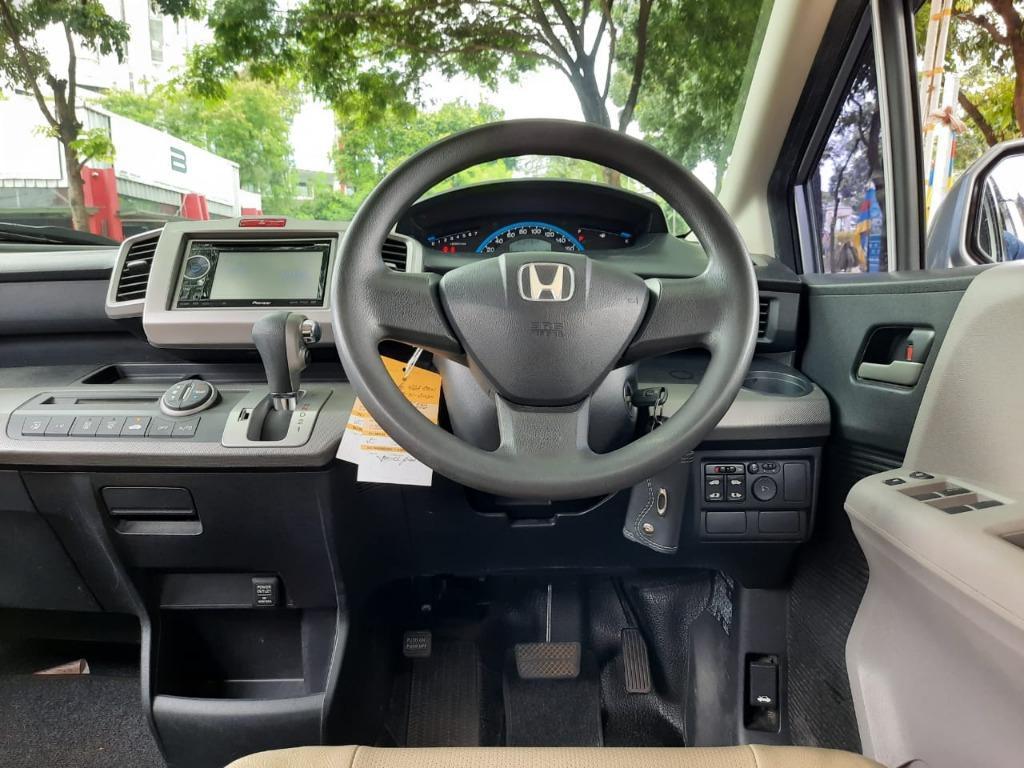 Honda Freed PSD AT 2010 Silver Elctr Door, No Pol Genap