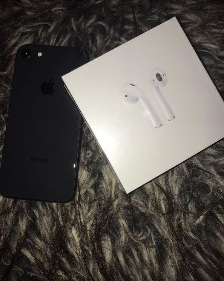 iPhone 8 AirPods Generation 4