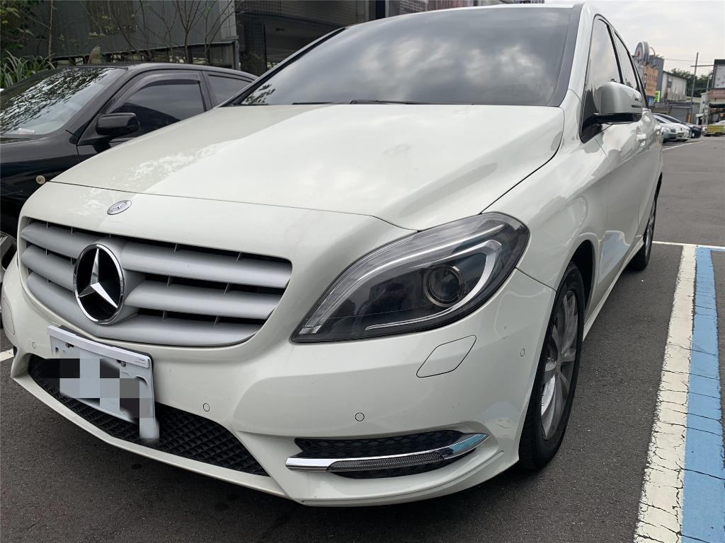 2012 賓士 B180 白