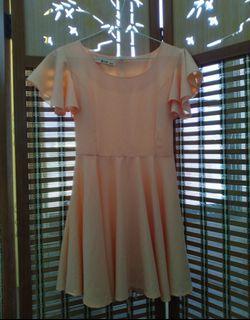 粉嫩色系 浪漫小洋裝 荷葉袖