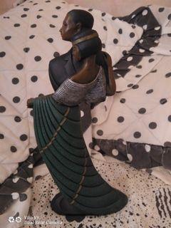 已經 收藏很久的 東帝士百貨專櫃 維多利亞風 雙人舞 擺飾