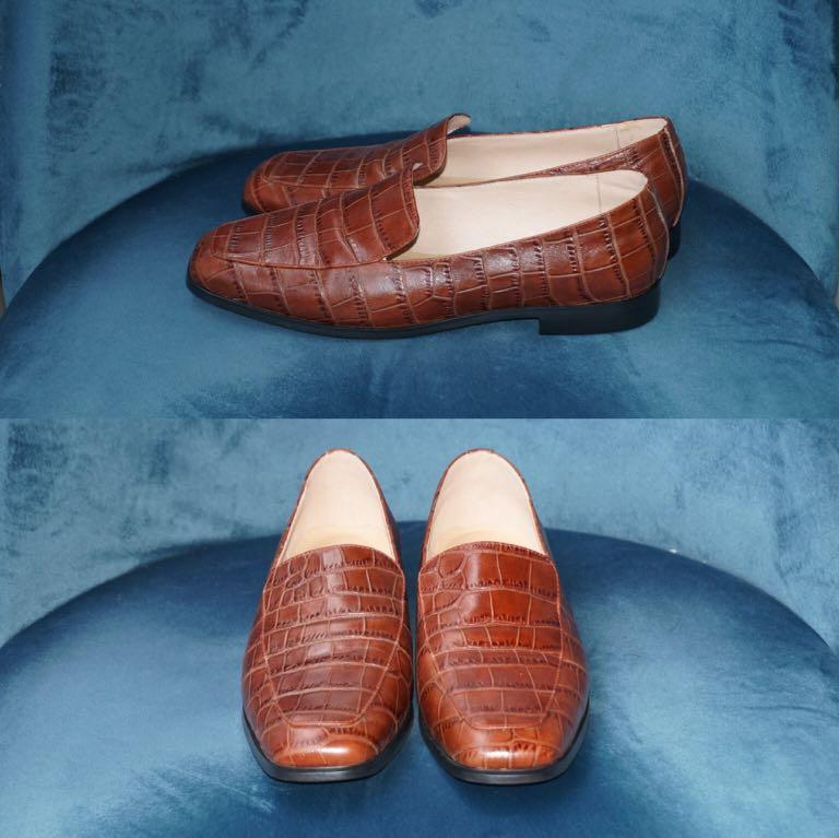 NWOB Genuine Leather Loafer in Brown Croc Pattern Size 7.5