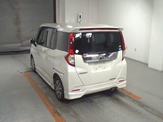 Toyota Roomy Custom GT Auto