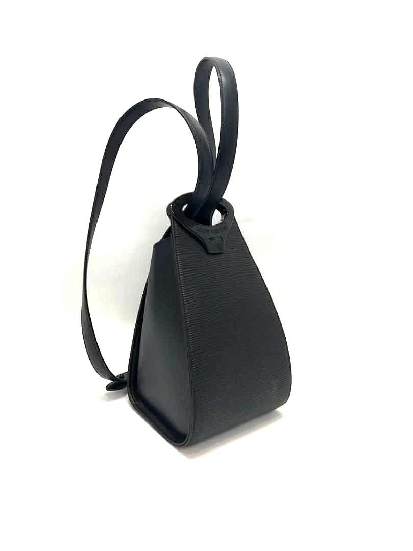 EXCELLENT CONDITION- RARE ITEM - AUTHENTIC LOUIS VUITTON BLACK EPI LEATHER BACKPACK - LIMITED EDITION LV BAG