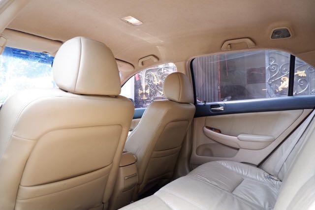Honda Accord VTI-Luxury 2.4 AT Silver on Beige 2006 Good Condition & Full Orisinil