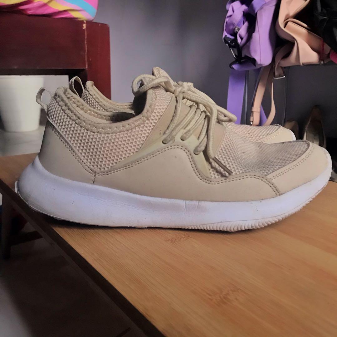 Kicks sm department store, Women's