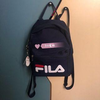 (二手背3次) Fila 斐樂小背包 MOMO購入(附老老爹鞋鑰匙圈)丈青色 深藍色 小書包 後背包