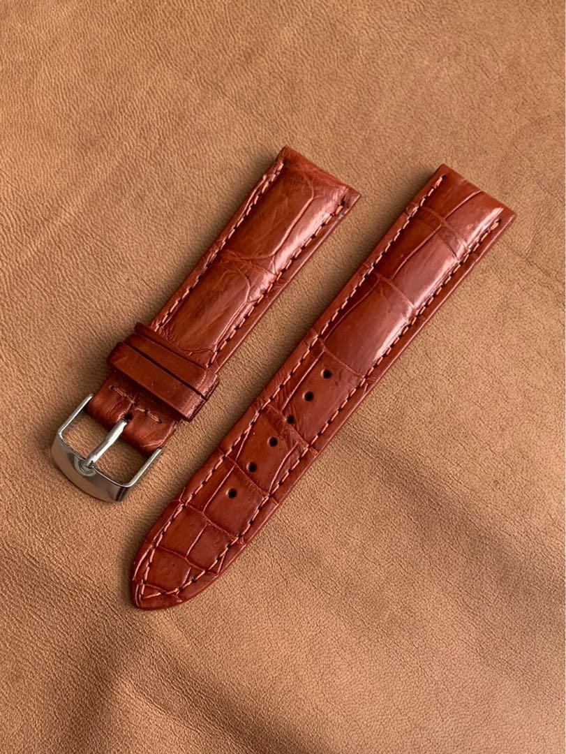 [DISCOUNTED] 20mm/18mm Mahogany Brown Alligator 🐊 Crocodile Watch Strap 20mm@lug/18mm@buckle Standard length- L:120mm, S:75mm (only piece like that, once sold no more😊) -MANY STRAPS ON DISCOUNT! 😊- versatile on white/black dial, yellow/rose gold tones