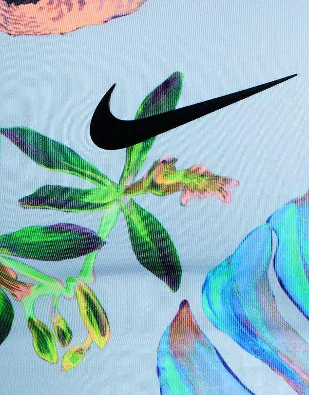 Papá germen busto  Nike Swoosh Hyper Femme Bra, Sports, Sports Apparel on Carousell