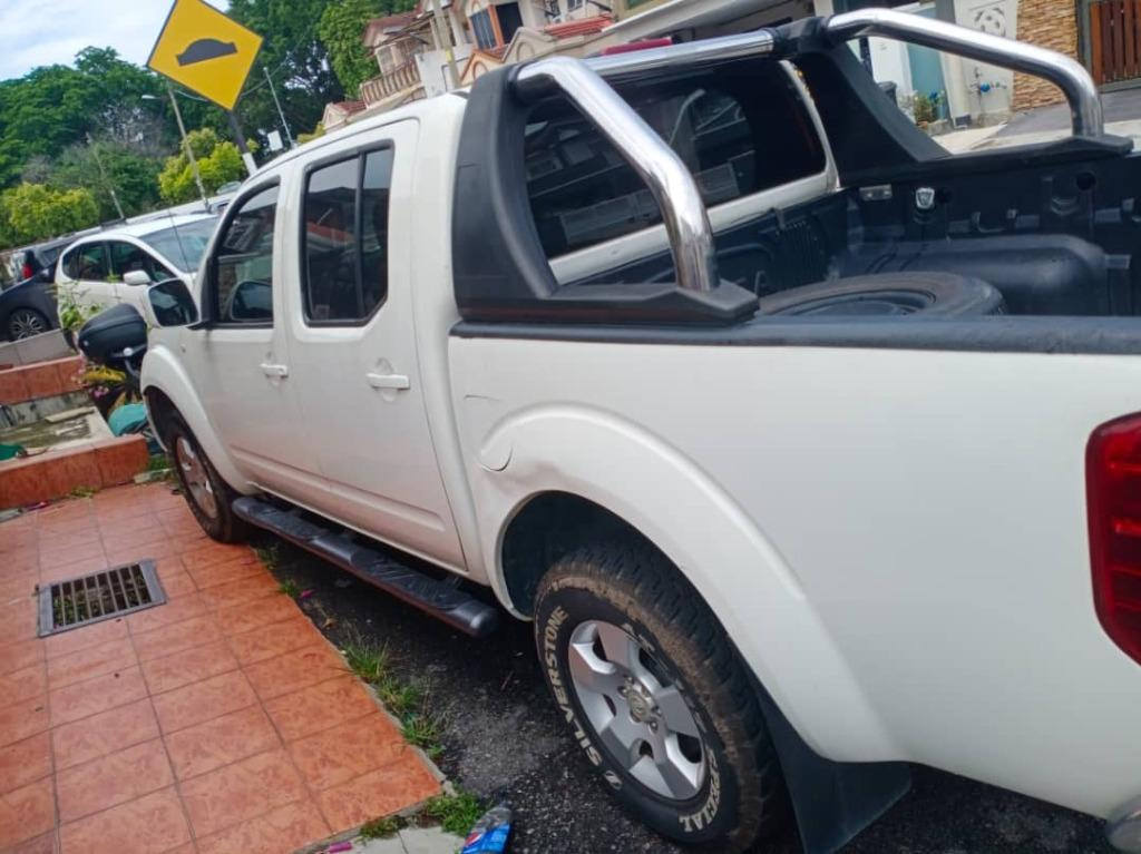 Nissan NAVARA 2.5 SE (MT) (M) 4X4 6 SPEED TAHUN 2013