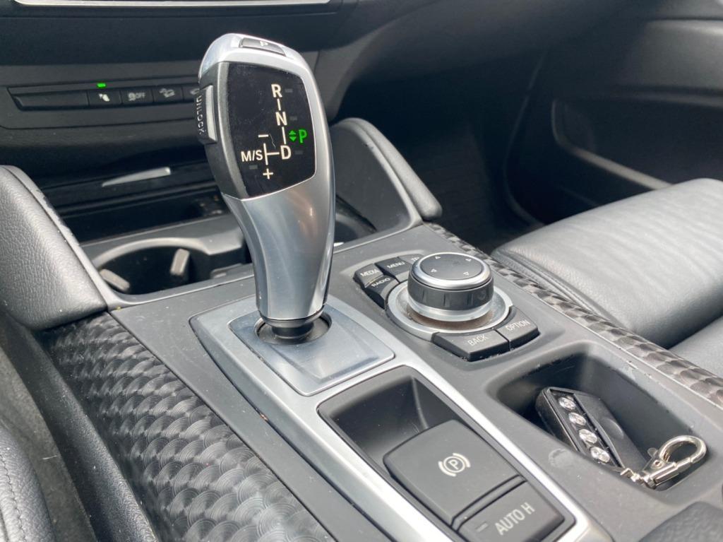 2011年 BMW X6 xDrive35i