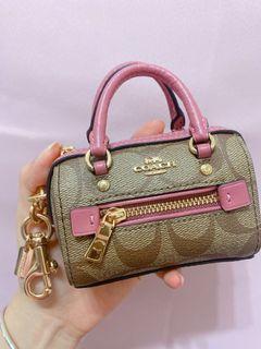 $7500 購入全新Coach mini bag/可當吊飾/有盒/有購買證明