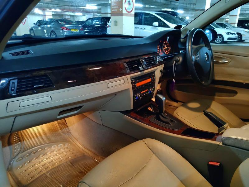 BMW 320i Sedan (A)