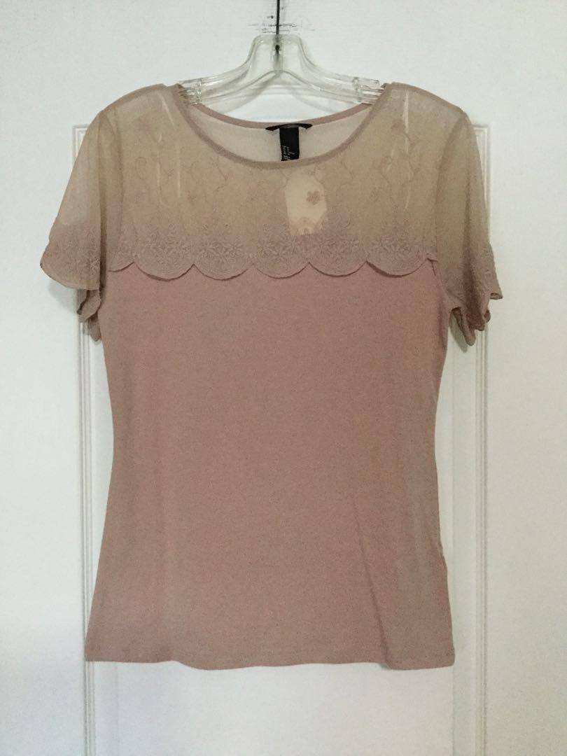 H&M dusty rose top. Size medium. Brand new. Tag 🏷 still attached.