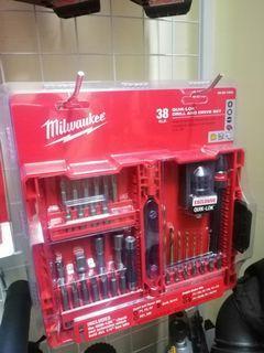 Milwaukee 38 pcs Quick lock drill and drive set