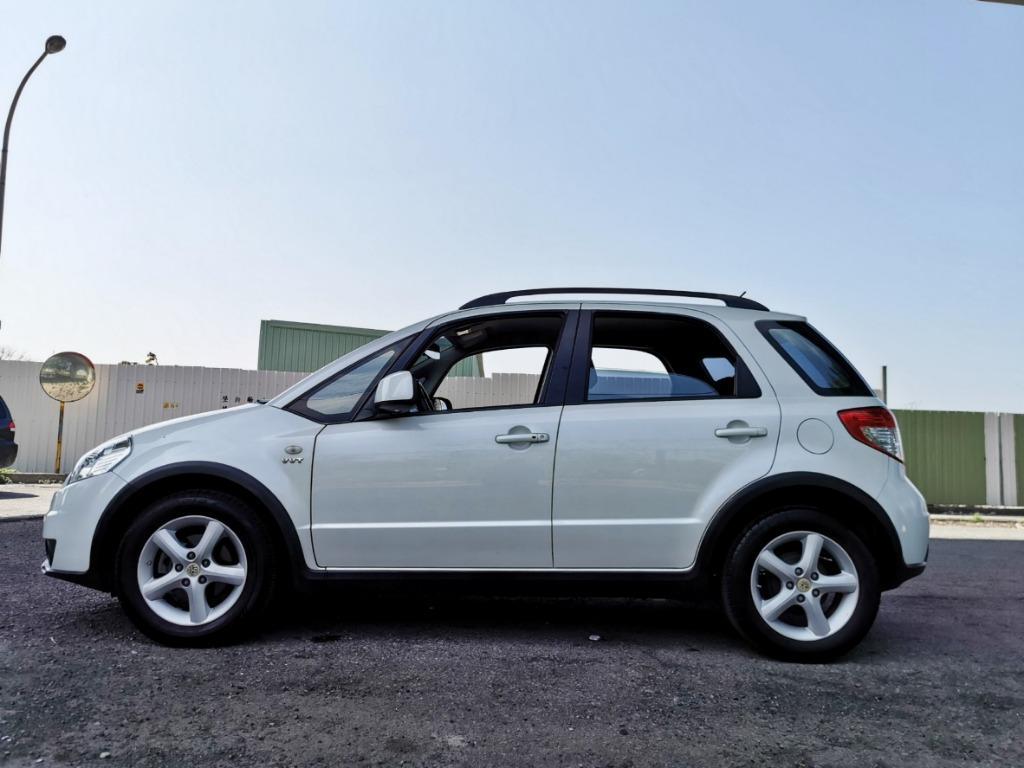 2008年 SUZUKI SX4 白色