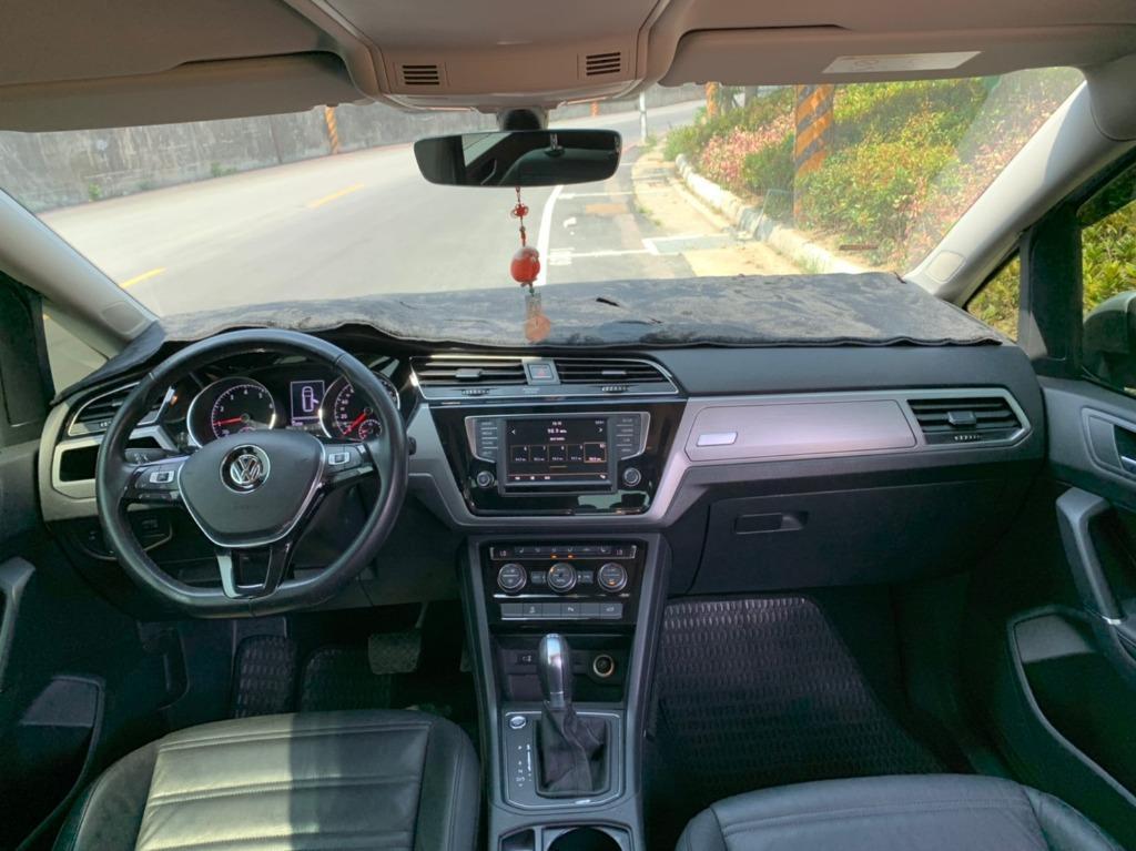 《鑫宏車業》車輛目前在新北市,207年福斯陶然7人座1.4,I-key、6安、ABS、液晶螢幕....歡迎預約來店賞車