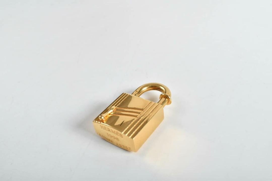 """AUTHENTIC HERMES GOLD COLOR H LOGO CHARM PENDANT - CAN USE AS NECKLACE CHARM PENDANT - SIZE : (W x H x D): 0.78"""" x 1.57"""" x 0.3"""" APPROX."""