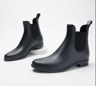 BRAND NEW Sam Edelman Chelsea Boots