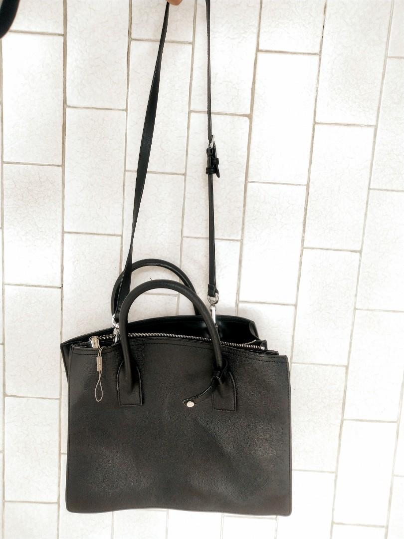 Charles and keith bag Large structure tote Bag Charles & Keith HITAM 100% ORIGINAL