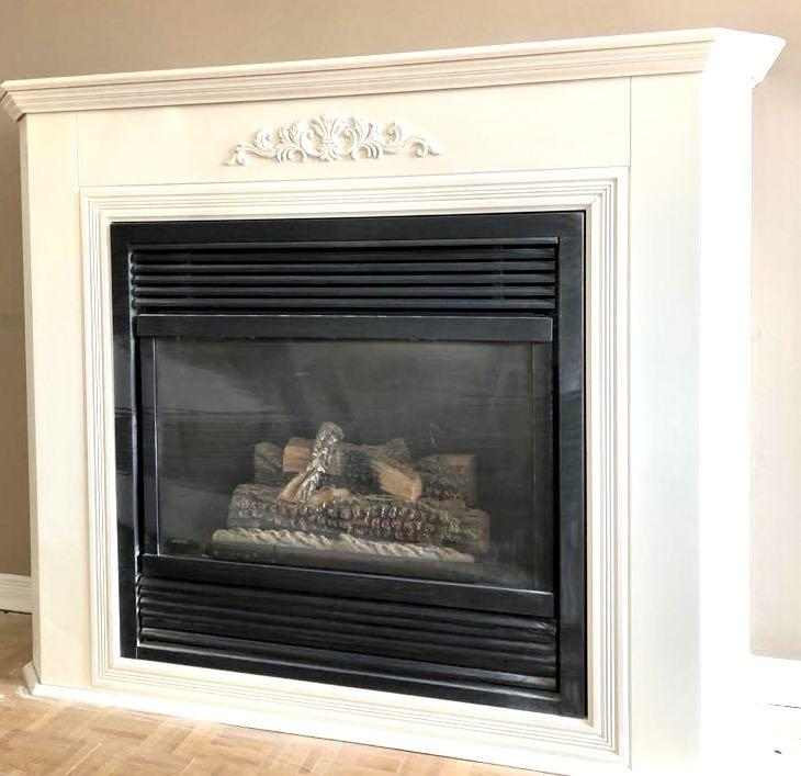Gas fireplace with mantel
