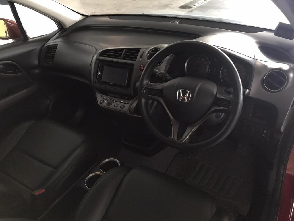 Honda Stream 50% OFF CIRCUIT BREAKER, ADVANCE BOOKING ONLY, Travel with a peace of mind with just $500 deposit driveaway. Whatsapp 8188 8616 now to enjoy special rates!!
