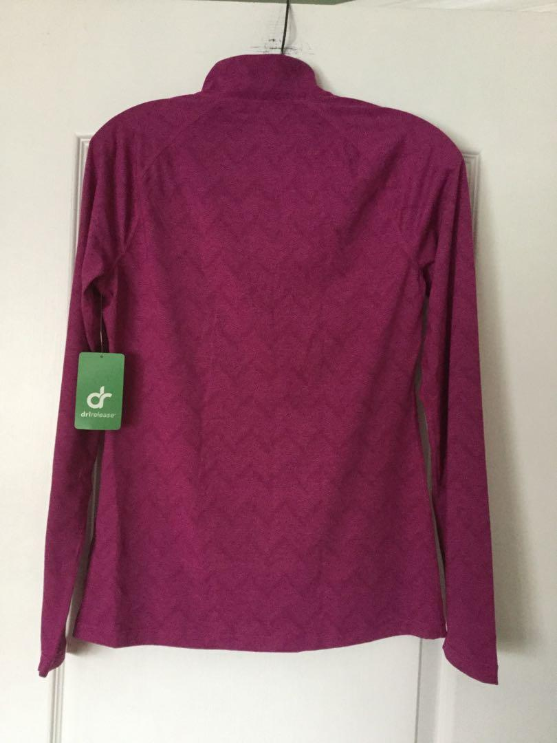 MARINO BLEND BY PARADOX Drirelease  top. Size  Small. Brand New. Tag still attached.