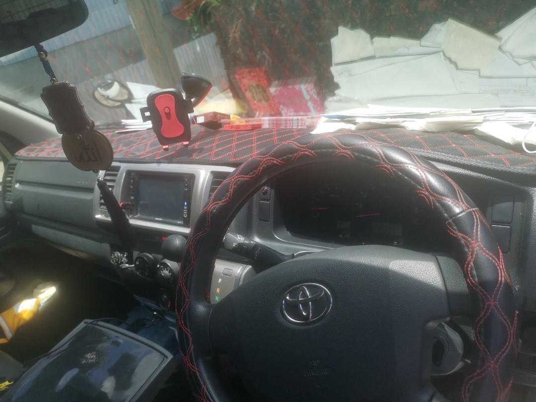Toyota Hiace 3.0 Standard Roof DX Van 5-Dr (A)