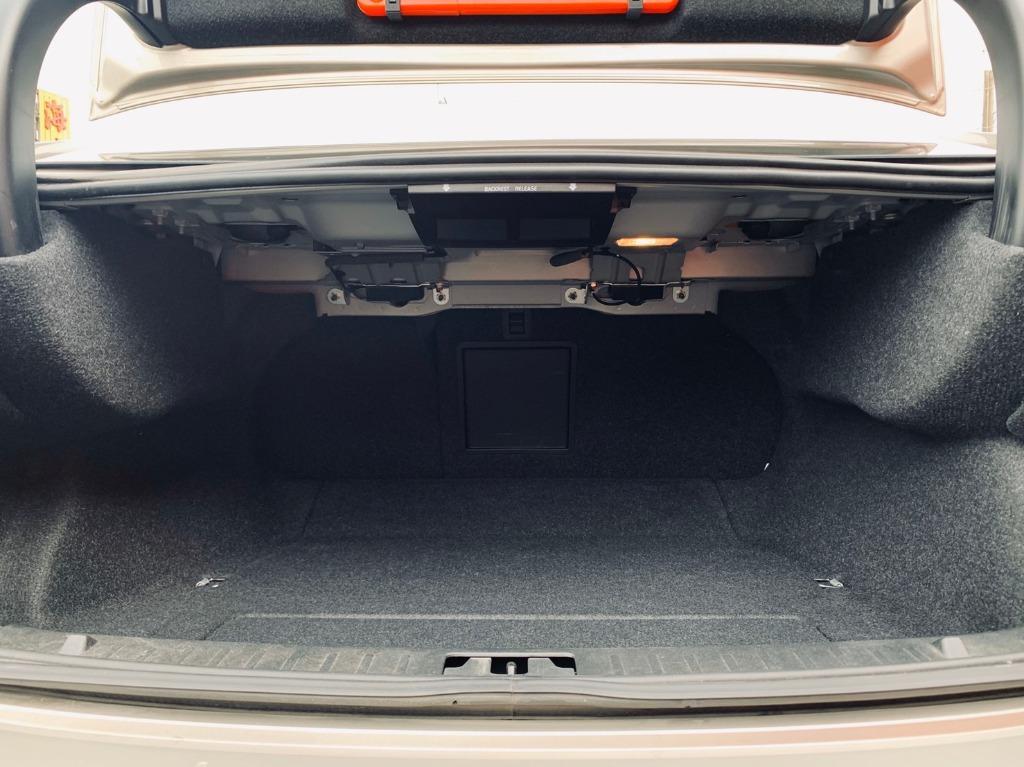 正2014年出廠 大改新款總代理 Volvo S60 1.6T4旗艦款,稀有棕灰色